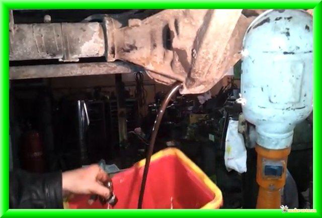 Масло в мосты УАЗ Патриот: какое масло выбрать, порядок замены
